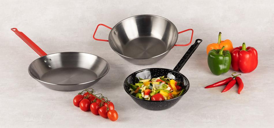 CAST IRON PANS AND SAUCEPANS