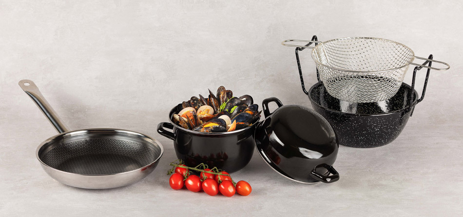 INDUCTION COOKWARE AND SPECIAL COOKING